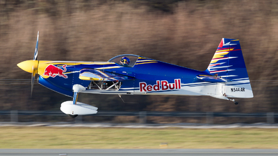 N544AR - Zivko Edge 540 - The Flying Bulls