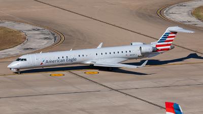 A picture of N915FJ - Mitsubishi CRJ900ER - American Airlines - © Sweet Potato