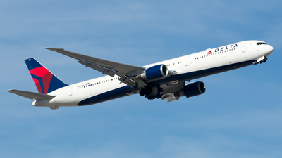 A picture of N825MH - Boeing 767432(ER) - Delta Air Lines - © Kory Crohn