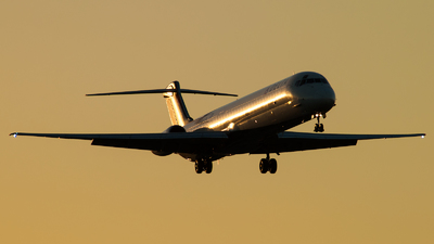 N975DL - McDonnell Douglas MD-88 - Delta Air Lines