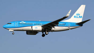 A picture of PHBGU - Boeing 7377K2 - KLM - © Ian Howat