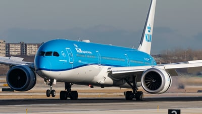 A picture of PHBKD - Boeing 78710 Dreamliner - KLM - © Miles Aronovitz