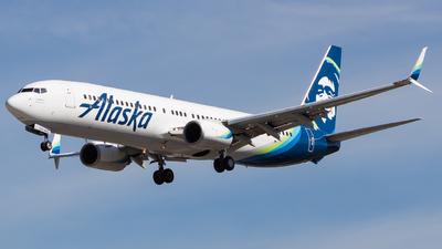A picture of N320AS - Boeing 737990 - Alaska Airlines - © Nicholas Hesler