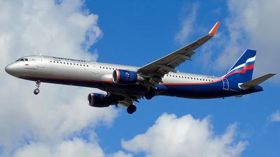 A picture of VPBES - Airbus A321211 - Aeroflot - © Timofey Panteleev