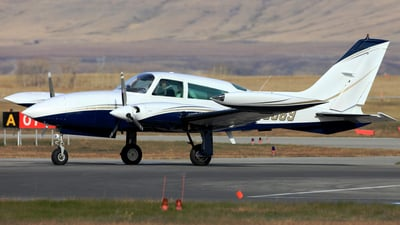 A picture of N98869 - Cessna T310R - [310R0625] - © Mike MacKinnon