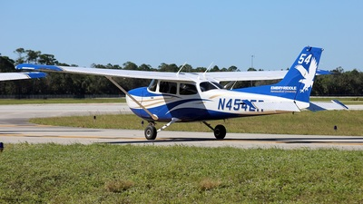 N454ER - Cessna 172S Skyhawk SP - Embry-Riddle Aeronautical University (ERAU)
