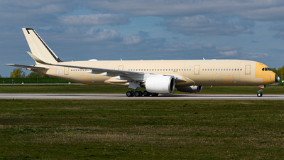 A picture of FWZFV - Airbus A350 - Airbus - © Niclas Rebbelmund