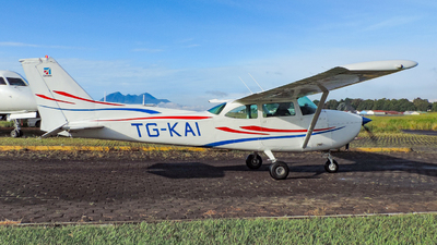 TG-KAI - Cessna 172F Skyhawk - Private