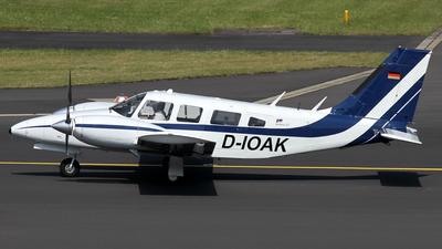 A picture of DIOAK - Piper PA34200T Seneca II - [347770167] - © Daniel Schwinn