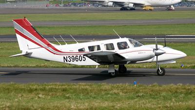 N39605 - Piper PA-34-200T Seneca II - Private