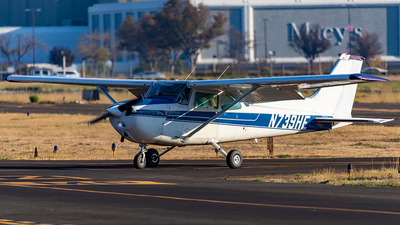 A picture of N739HE - Cessna 172N Skyhawk - [17270549] - © Sweet Potato