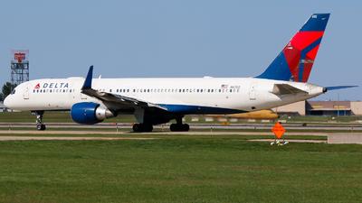 N6702 - Boeing 757-232 - Delta Air Lines