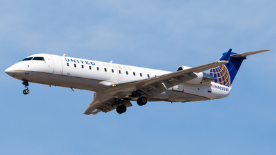 A picture of N465SW - Bombardier CRJ200ER - United Airlines - © Martin Pinnau