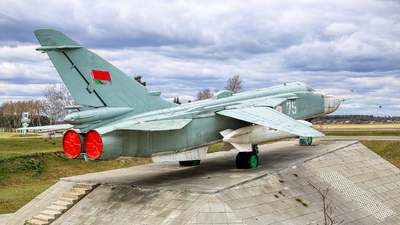 75 - Sukhoi Su-24MR Fencer - Belarus - Air Force