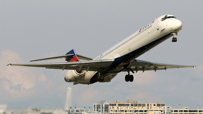 N930DN - McDonnell Douglas MD-90-30 - Delta Air Lines