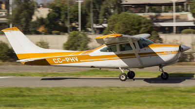CC-PHV - Cessna R182 Skylane RG II - Private