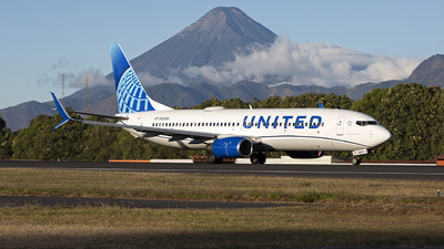 N33264 - Boeing 737-824 - United Airlines