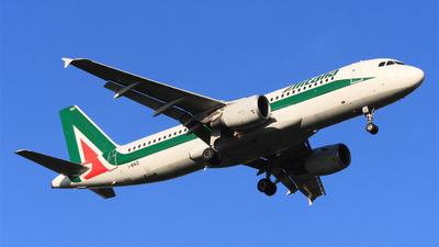 I-BIKD - Airbus A320-214 - Alitalia