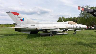 1015 - Mikoyan-Gurevich MiG-21F-13 Fishbed C - Czechoslovakia - Air Force