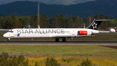 OY-KHE - McDonnell Douglas MD-82 - Scandinavian Airlines (SAS)