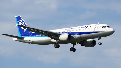 JA8946 - Airbus A320-211 - All Nippon Airways (ANA)