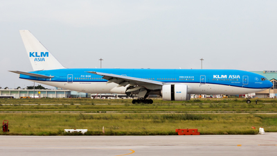 A picture of PHBQK - Boeing 777206(ER) - KLM - © Hensley Garcia