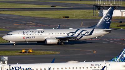 N3758Y - Boeing 737-832 - Delta Air Lines