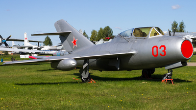 03 - Mikoyan-Gurevich MiG-15UTI Midget - Soviet Union - Air Force