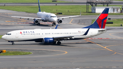 A picture of N384DA - Boeing 737832 - Delta Air Lines - © subing27