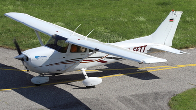 D-EFTT - Cessna 172S Skyhawk SP - Private