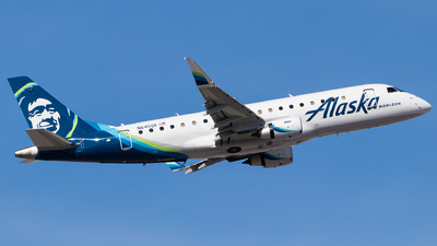 N645QX - Embraer 170-200LR - Alaska Airlines (Horizon Air)