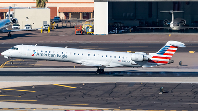 A picture of N932LR - Mitsubishi CRJ900ER - American Airlines - © Ricky Teteris