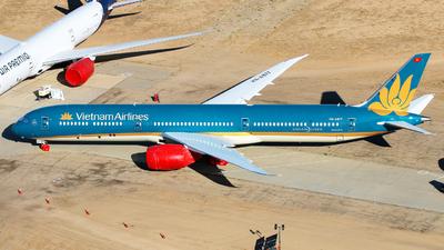 VN-A877 - Boeing 787-10 Dreamliner - Vietnam Airlines