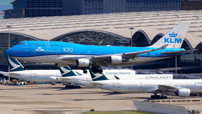 A picture of PHBFT - Boeing 747406(M) - KLM - © Colin Law