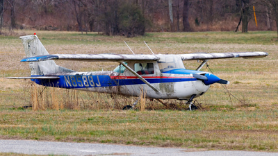 N8588J - Cessna 150G - Private