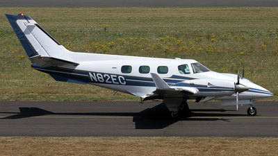 N82EC - Beechcraft B60 Duke - Private