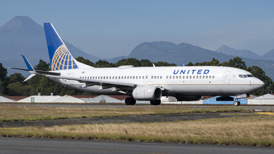A picture of N35236 - Boeing 737824 - United Airlines - © Juan Manuel Galvez