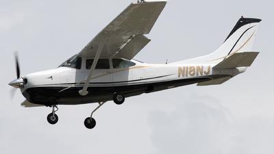 A picture of N18NJ - Cessna R182 Skylane RG - [R18200178] - © Yixin Chen