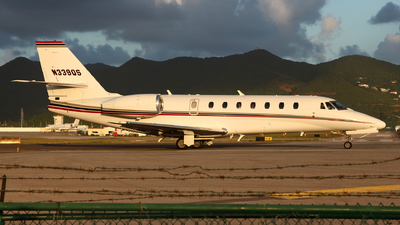 A picture of N339QS - Cessna 680 Citation Sovereign - NetJets - © Dave Potter