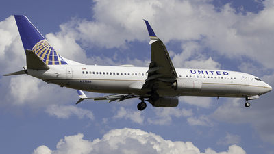 A picture of N77536 - Boeing 737824 - United Airlines - © Tyler Lorenz