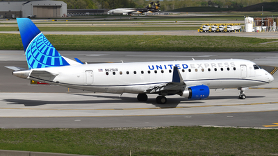 A picture of N625UX - Embraer E175LL - United Airlines - © Brady Noble