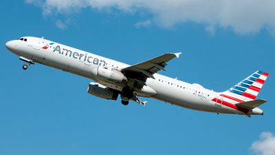 A picture of N982VJ - Airbus A321231 - American Airlines - © Yan777