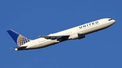 N651UA - Boeing 767-322(ER) - United Airlines