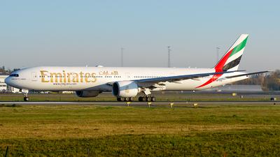 A6-EGW - Boeing 777-31HER - Emirates