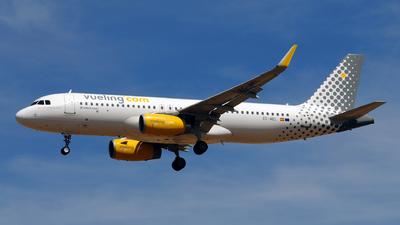 A picture of ECMEL - Airbus A320232 - Vueling - © Rafael Alvarez Cacho