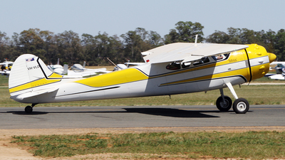 VH-VLD - Cessna 195B - Private
