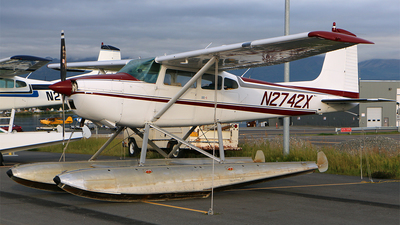 N2742X - Cessna 180H Skywagon - Private