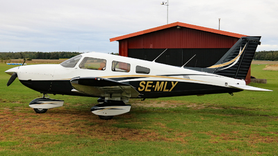 SE-MLY - Piper PA-28-181 Archer III - Private