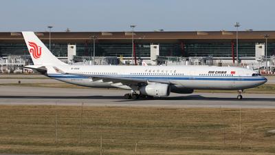B-5916 - Airbus A330-343 - Air China