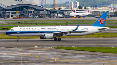 A picture of B8639 - Airbus A321211 - China Southern Airlines - © JasonKZ